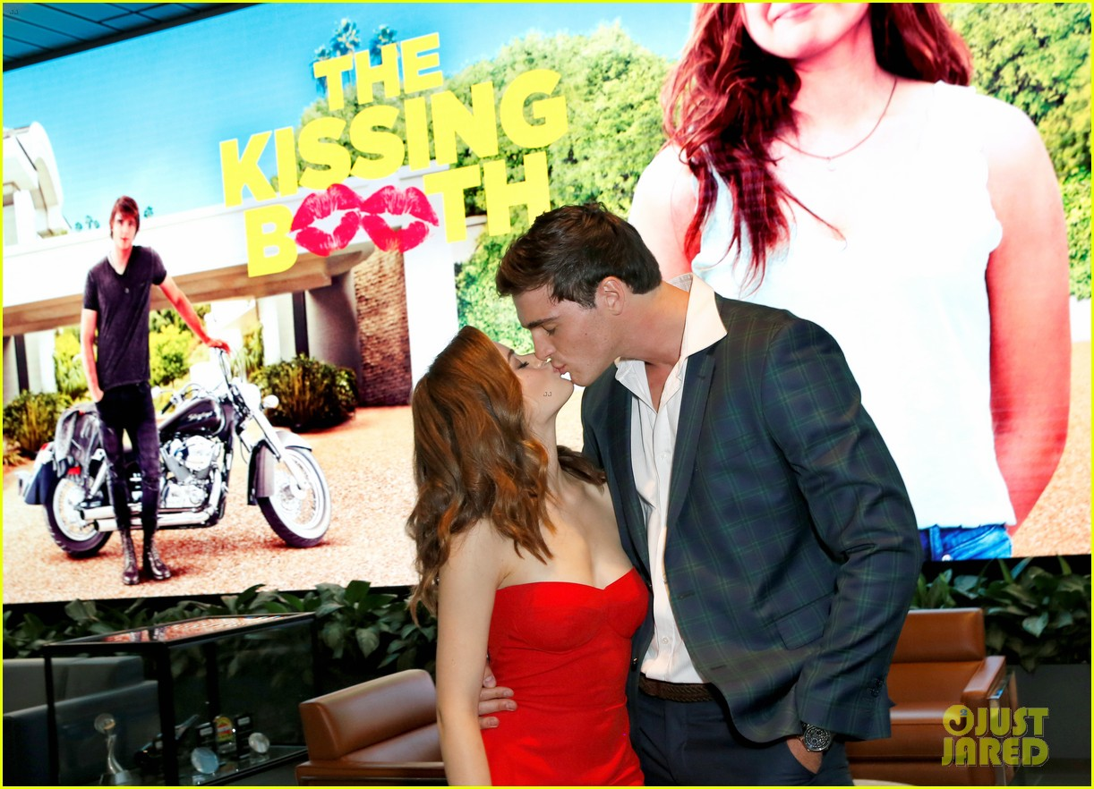Joey King Hot kissing booth – date night?